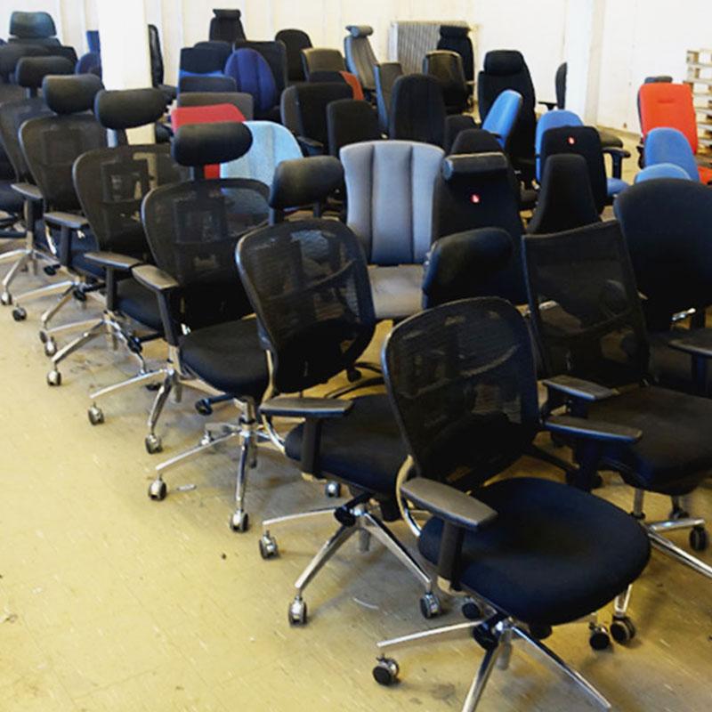Utförsäljning av begagnade kontorsstolar