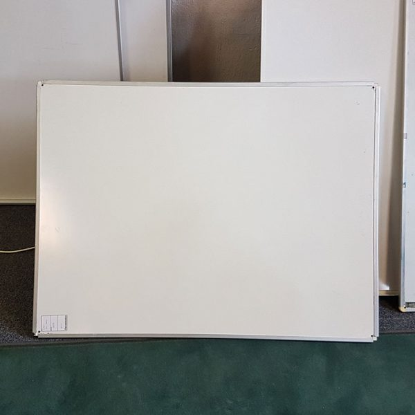Begagnade whiteboards 150x120 cm